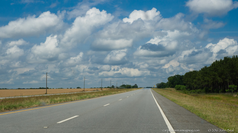 (19 May 2016)<br /> <br /> road trip.<br /> <br /> f/11, 1/400s, iso 200.