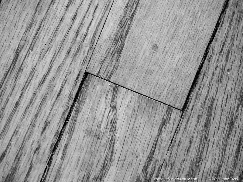 29 Nov 2016<br /> <br /> floor boards.<br /> <br /> f/5.6, 1/320s, iso 20000.