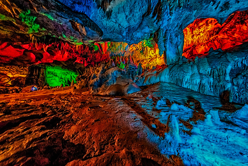 Caverns Holiday Room