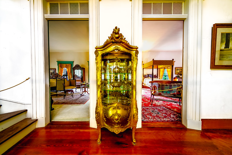 Fine Crystal Glass Cabinet