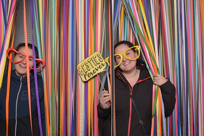 Photo fun with Four Frames Photo Booth, Platinum Floral Design and Emma McCormick Creative at the 2018 Modern Wedding Show.
