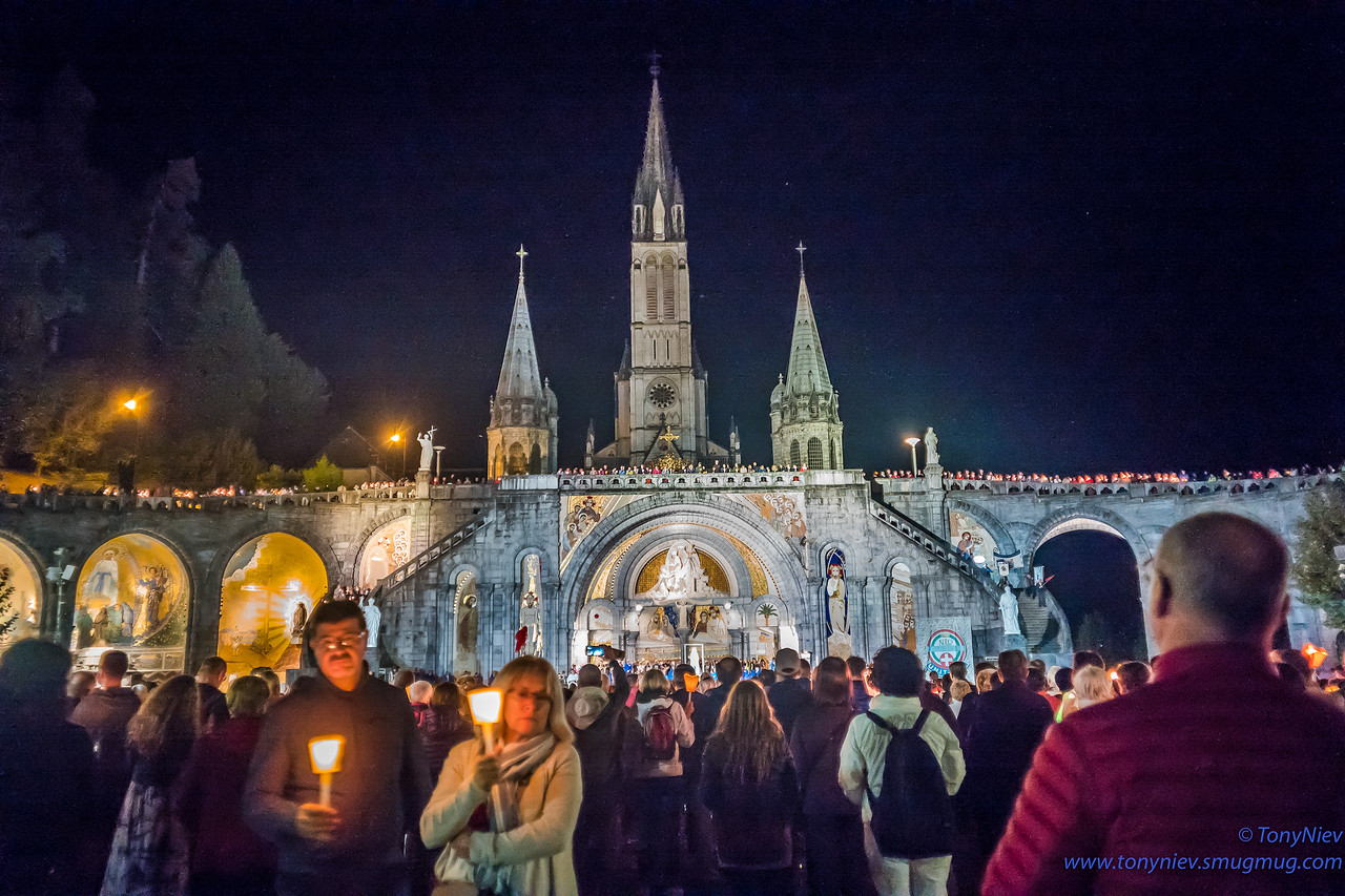IMAGE: https://photos.smugmug.com/Photography/2018-Sanctuary-of-our-Lady-of-Lourdes/i-VRt7ZHq/0/55bd4865/X2/L1005580-X2.jpg