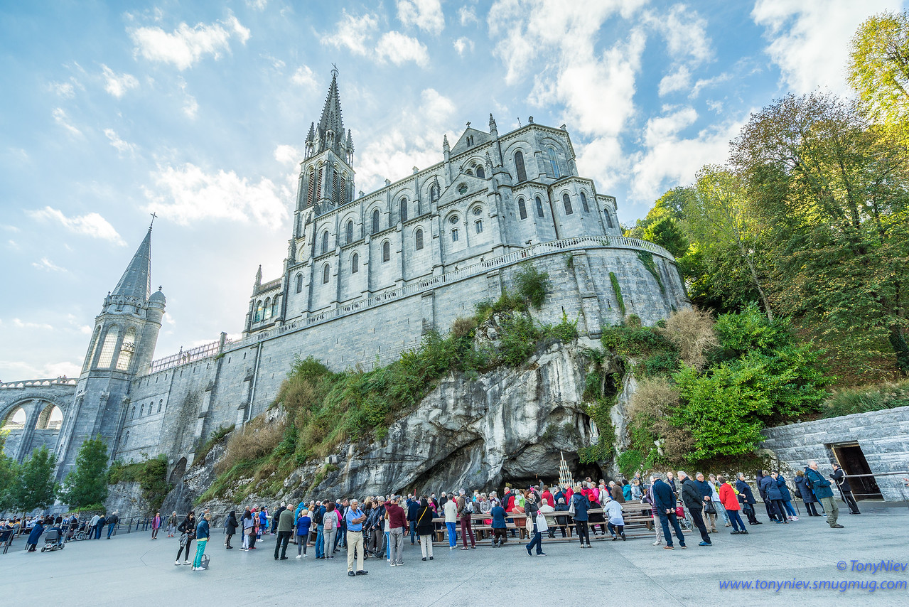 IMAGE: https://photos.smugmug.com/Photography/2018-Sanctuary-of-our-Lady-of-Lourdes/i-tWfNP3J/0/85d361e3/X2/DSC07552-X2.jpg