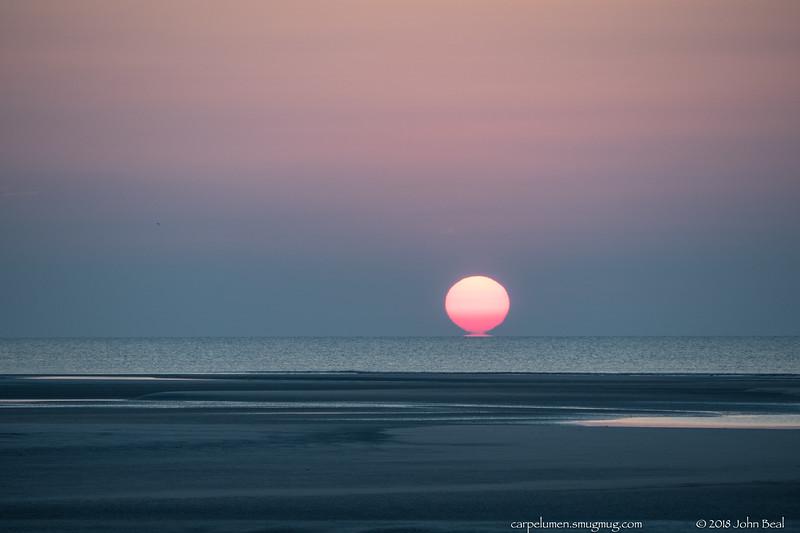 4 Jun 2018<br /> <br /> atlantic sunrise.<br /> <br /> f/5.6, 1/320s, iso 400.