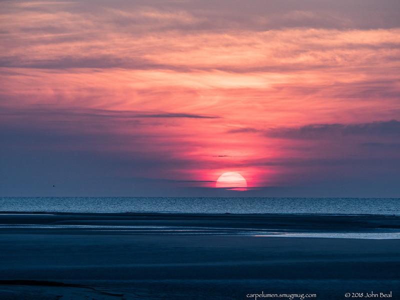 2 Jun 2018<br /> <br /> atlantic sunrise.<br /> <br /> f/8, 1/320s, iso 400.