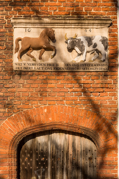 A historic plaque about the cattle market.