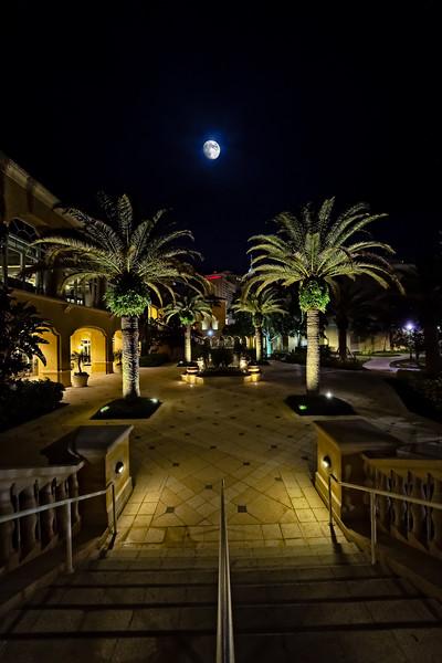 Moon over JW Marriott Orlando, Grande Lakes