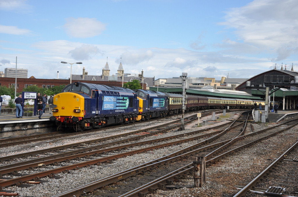 37609 and 37606, Bristol Temple Meads.