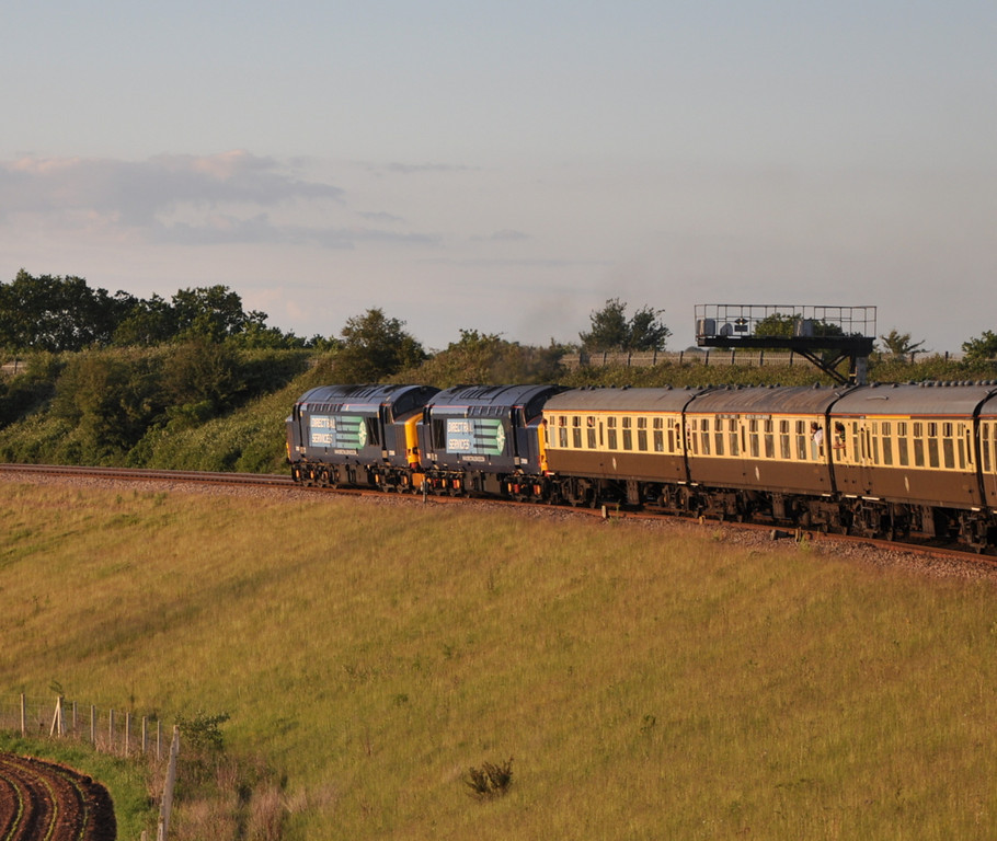 37606 and 37609, Westerleigh Junction.