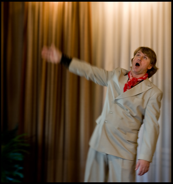 Latvian tenor, Nauris Puntulis, sings Neapolitan songs in Brisbane.