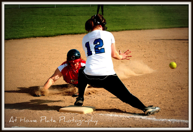 May 4, 2011<br /> Wednesday, 5:19pm<br /> <br /> Close Play at 3rd in Gresham vs Centennial Game<br /> <br /> f/9, 1/1000, 78mm, ISO 200 AV