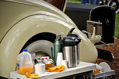 1125 morning - food  Early morning breakfast at the car show..... just one of a million things to be thankful for.  Happy Thanksgiving everyone.
