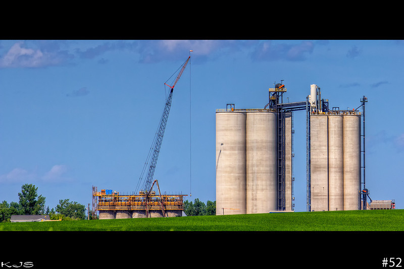 Nekoma Elevators are on the build with 5 more silos going up