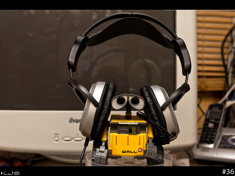 Got home from work this morning to discover Wall-e on skype, wonder what else he gets into while I'm working....