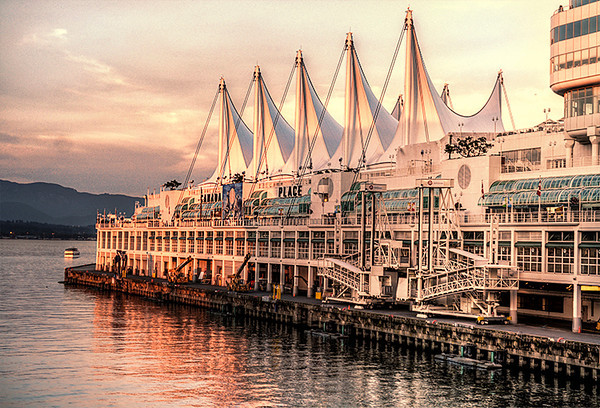 0816 architecture<br /> <br /> A three-shot HDR bracket of the Cruise Terminal at Canada Place.