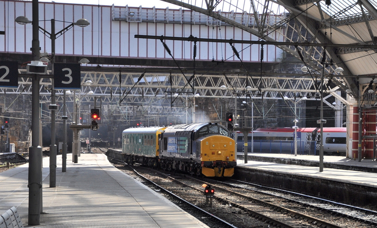 37405 arrives at Liverpool.