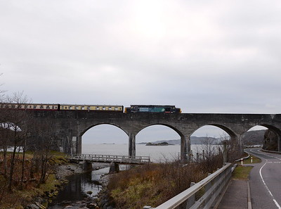 37610, Loch Nan Uamh Viaduct. 23/04/16.