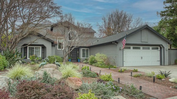 567 E Mallard Circle, Fresno