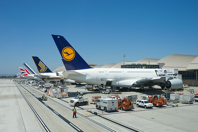 EK215 DXB-LAX. Pulling into Bay 156, Bradley Terminal, LAX next to 4 other A380s.