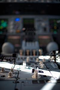 Center pedestal A380
