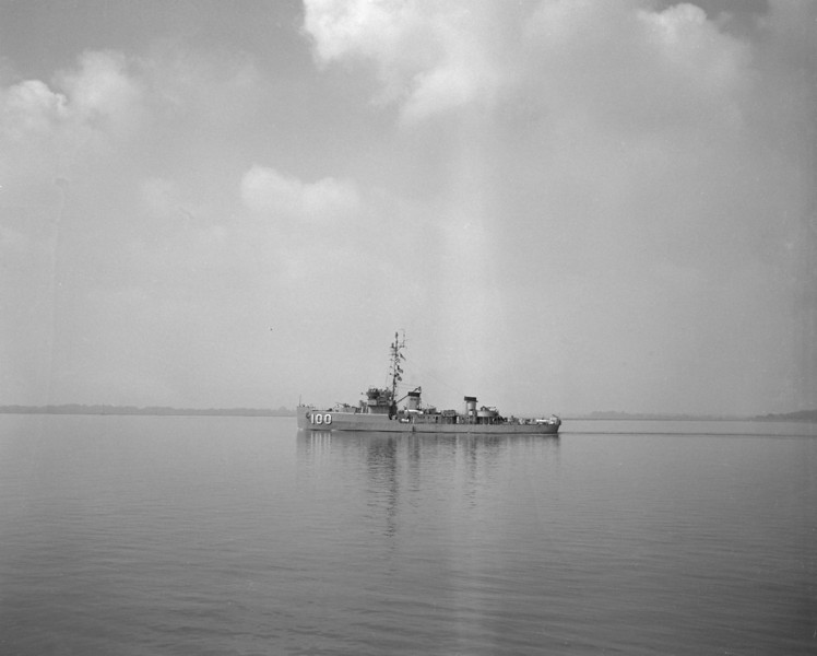 USS Heed (AM-100)<br /> <br /> Date: July 30 1953<br /> Location: Charleston SC <br /> Source: Nobe Smith - Atlantic Fleet Sales