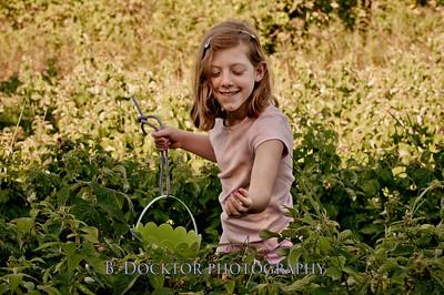1008_Thompson Finch raspberries_026