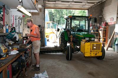 1008_Ancram Garage Crew_047