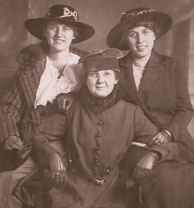 Three women, Bertha, Edna, ?