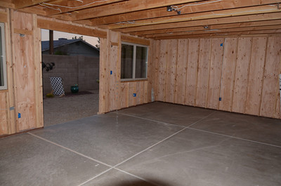 DSC_8240 16 x 25 foot  cement floor & siding