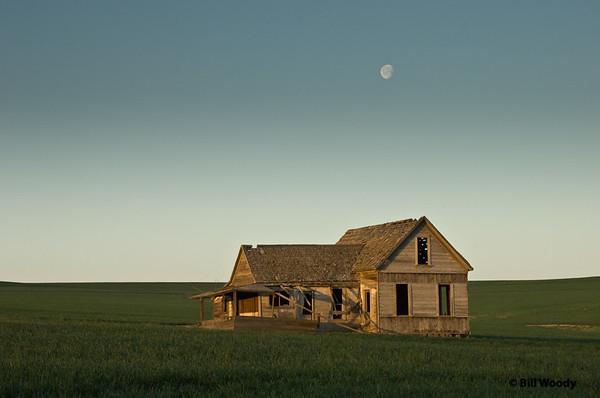 Moon Set on Social Ridge Lane Oregon