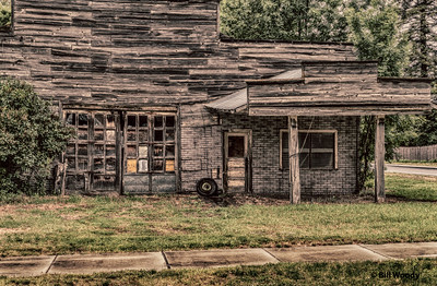 Farmington, WA, Service Station