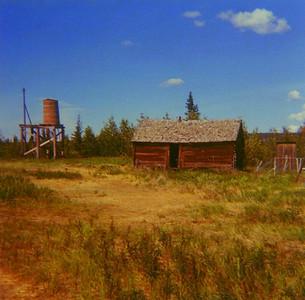 Alaska - Abandoned cabin, Copper Center, july 1971