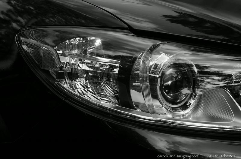 "(7Jul14)  light details.  <a href=""http://carpelumen.smugmug.com/Photography/2013/July13/30293485_qQqWmX#!i=2620426347&k=6gwB8LX"">one year ago.</a>  f/10, 1/10s, iso 320."