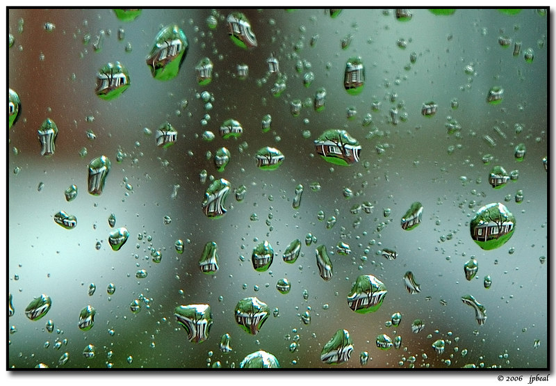micro lensing through rain drops