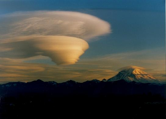 Lenticular clouds over Mt Rainer from WRR