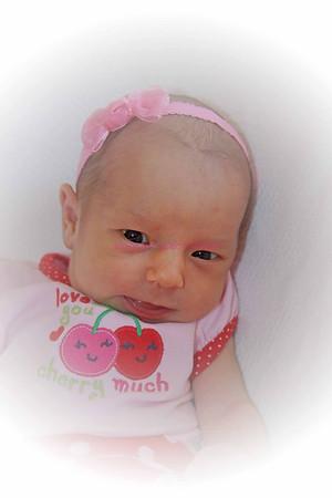 Adalynn 2 weeks - P2H #2