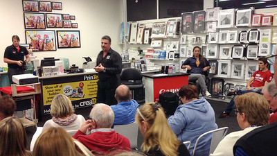 Krystle Wright at Teds Camera Store Maroochydore, 6 August 2014 - iPod Photos by Des Thureson - http://disci.smugmug.com.