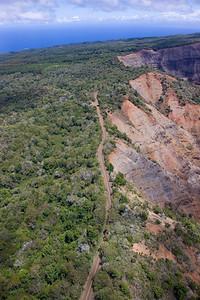 Dirt road at the edge of Waimea Canyon