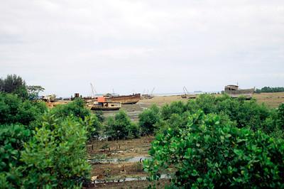 Zanzibar boat boneyard