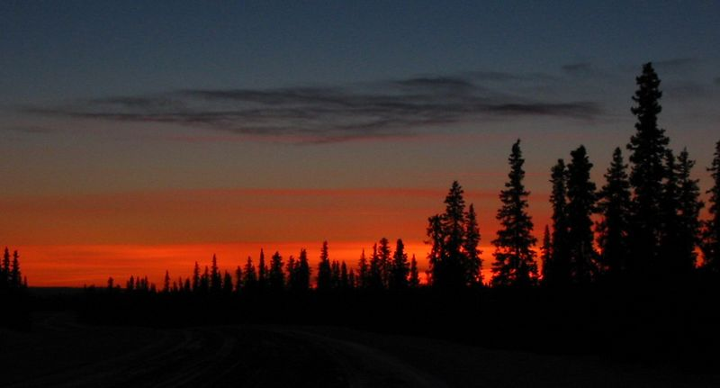 One mile farther south along the Parks and looking south.  Alaska isn't called the land of extremes for nothing.