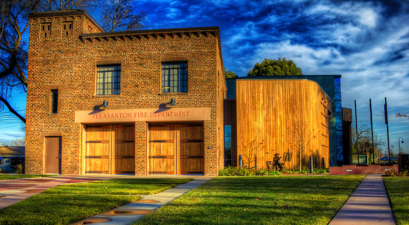 Old Pleasanton Fire Department<br /> 5 exposures Canon 18mm f/11 ISO 100