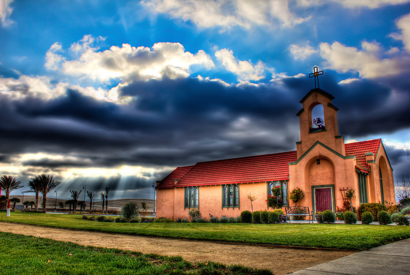 St. Anne's Church on Camino Diablo<br /> 5 exposures Canon 18mm f/11 ISO 100