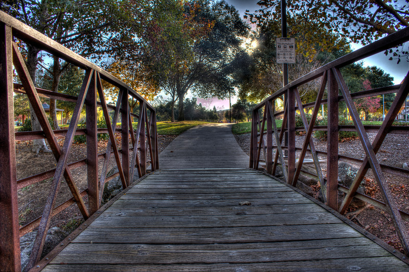 Bridge at a park<br /> 7 exposures Canon 18mm f/11 ISO 100