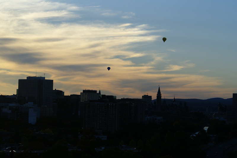 Hot air ballons over ottawa sunset