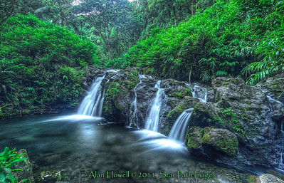 Maui_Hana_Waterfall_01