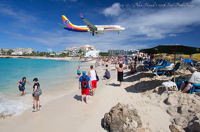 Da plane, boss! Da PLANE!!!!  St. Maarten, Virgin Islands. Mullet Bay, Maho Beach.