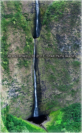 Kona Waterfall_01_half