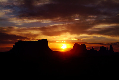 monumentvalleypanoramicsunrise