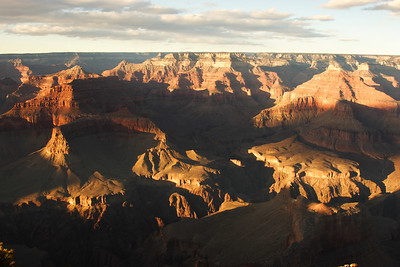 Late evening light on the canyon formations - picture from Hopi Point. Sometimes implied detail is more eloquent.