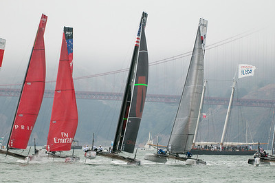 AFter rounding the top mark in the fleet race